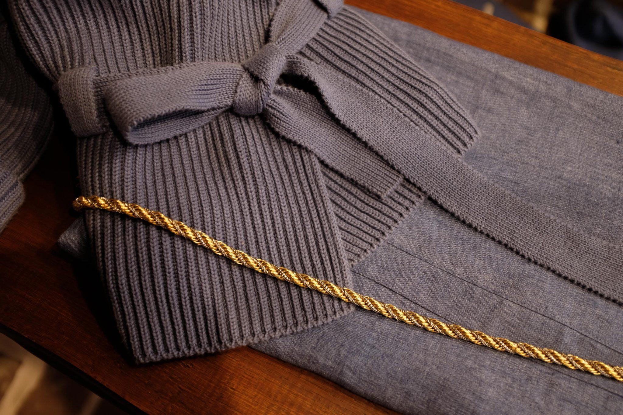 Spring grauw blauw vest gouden riem