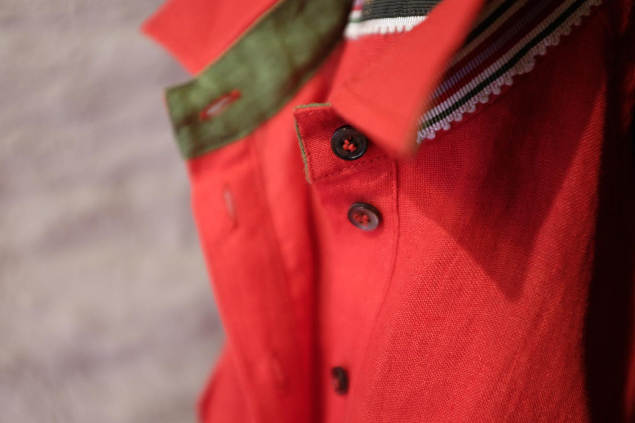 Rode jurk detail kraag