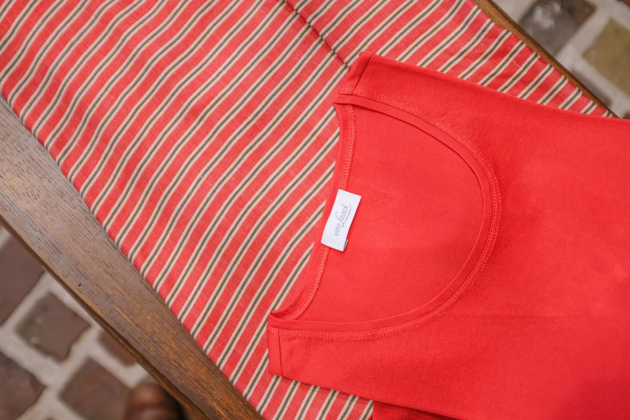 Rode rok en trui